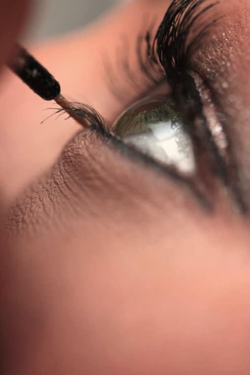 eyelashes last longer